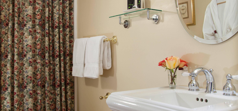 Bathroom in Galloway Room