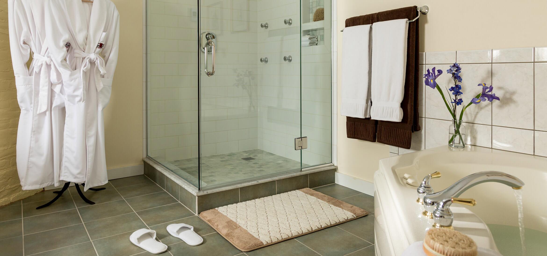 Garden Spa shower and bath