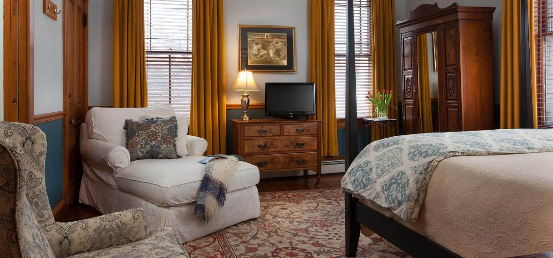 Hayward Room sitting area