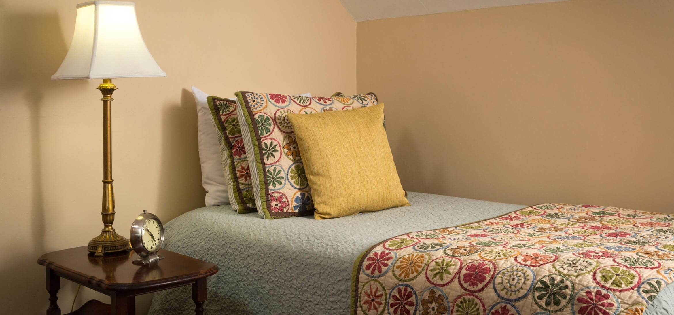 Tuttle Room daybed