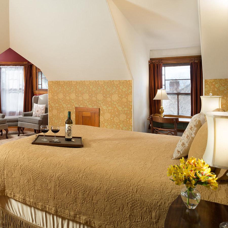Van Ness Room bed