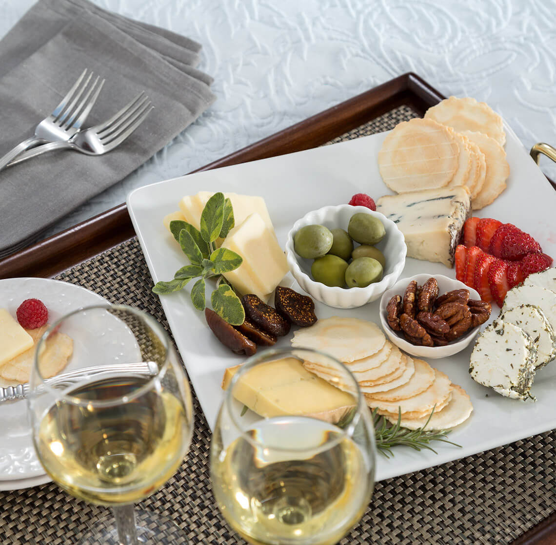 Cheese plate and wine