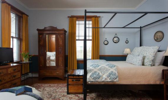 Hayward Room at Lang House on Main Street