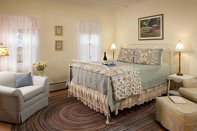 Burlington VT Bed and Breakfast - Galloway Room