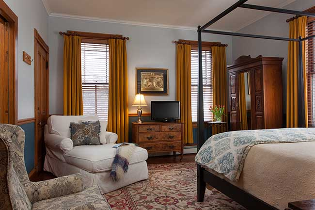 Bed and Breakfast in Burlington VT - Hayward Room