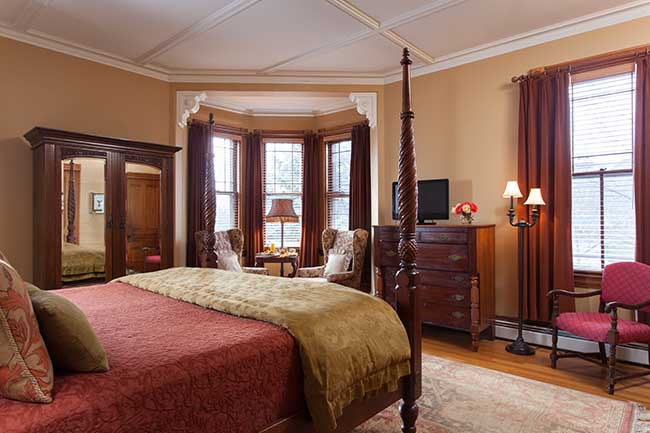 Burlington VT Bed and Breakfast - Lyon Room
