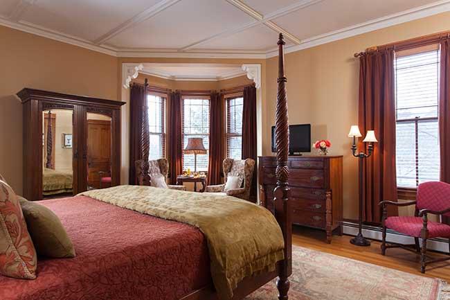 Burlington VT Bed and Breakfast - Lyon Room