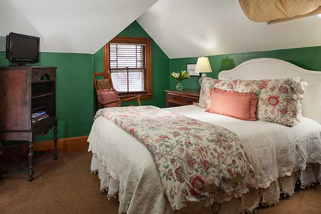 Bed and Breakfast in Burlington VT - Vincent Room