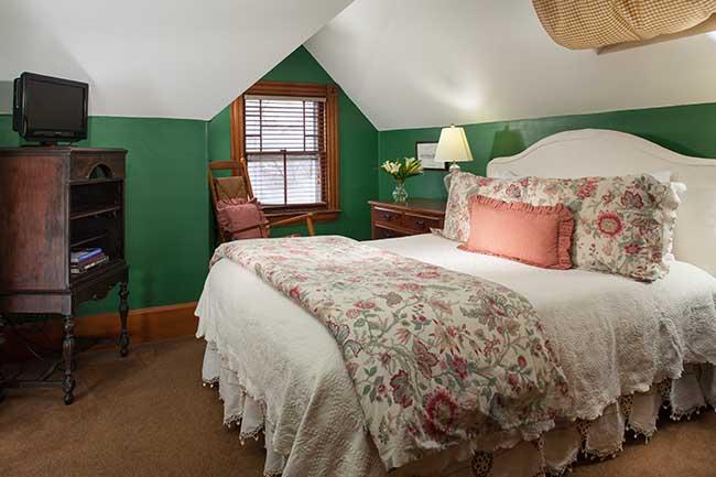 Bed and Breakfast in Burlington VT - Vincent Room